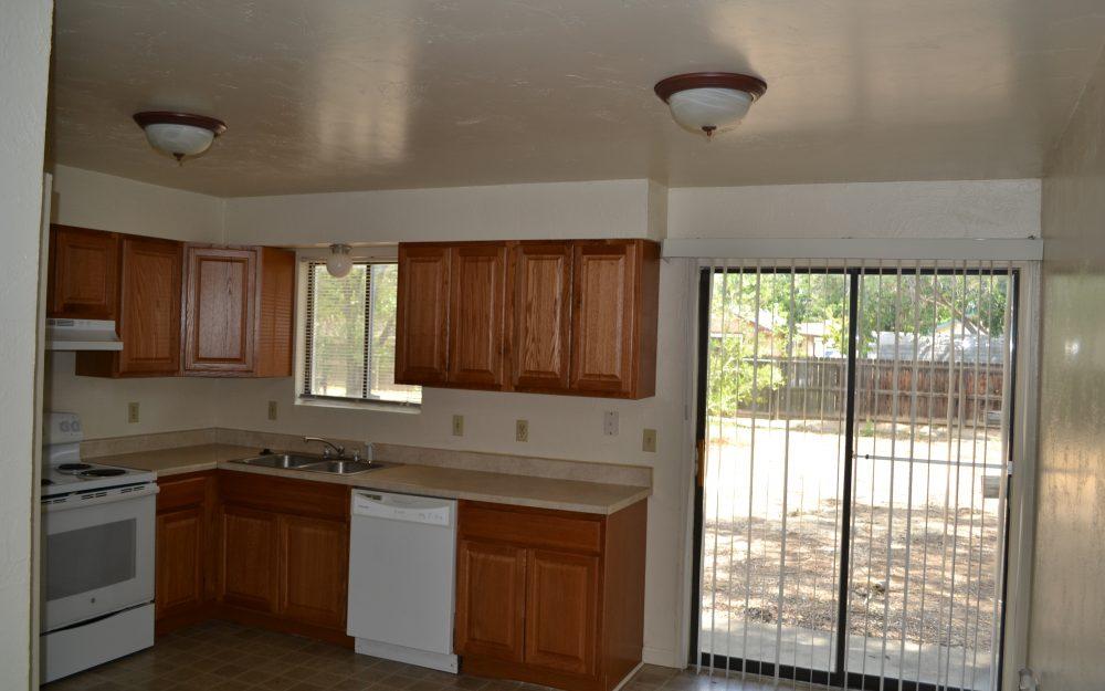 Apartment- 482 1/2 32 1/8 Rd #1