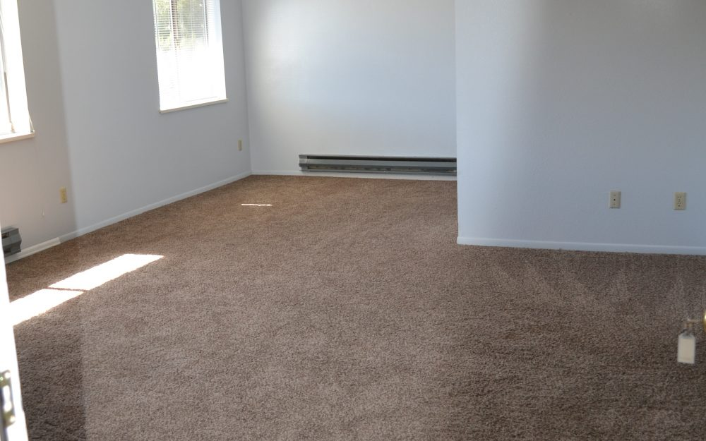 2918 Dawn Dr #1 – Upstairs Apartment